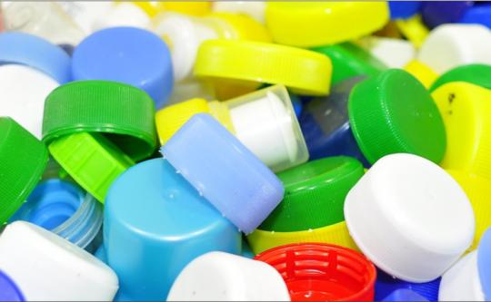 """W Dzień Dziecka rusza zbiórka plastikowych nakrętek na rzecz """"Przyjaciela"""""""