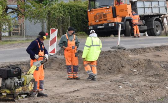 Trwa przebudowa drogi powiatowej na odcinku z Obornik do Uścikowa